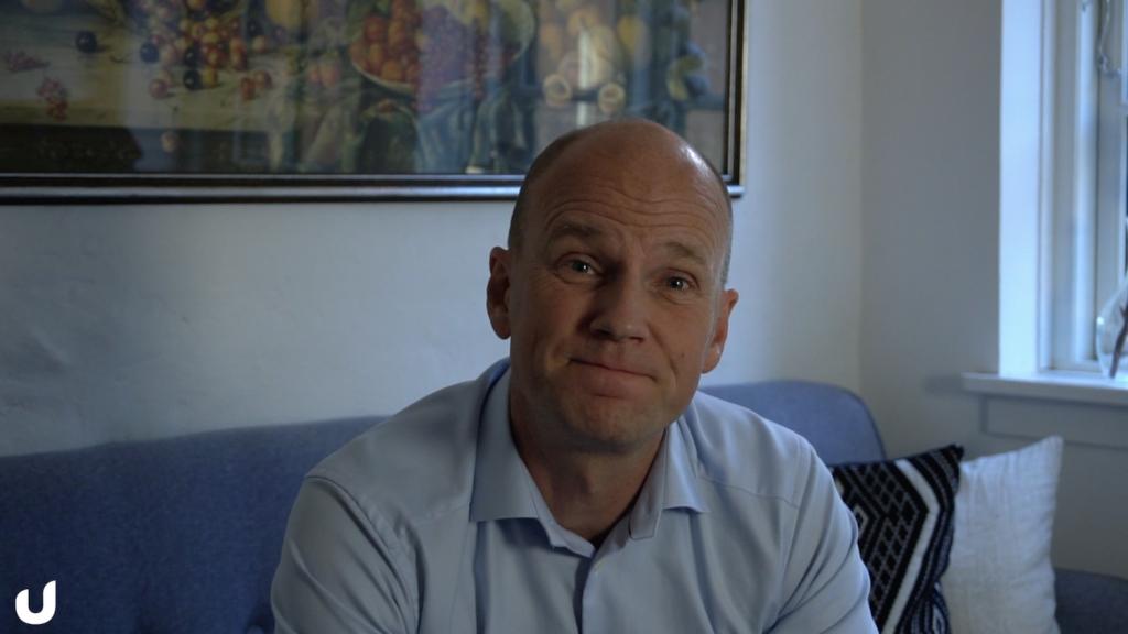 Ulrich foran kamera til Mandags-Pitch